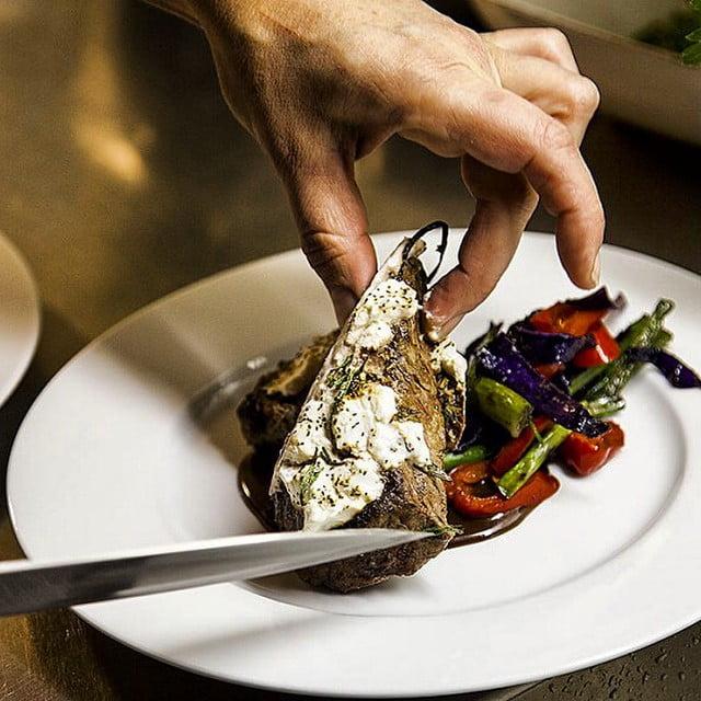 Gårdagens middag. Ett lamm med sköna tillbehör. Mer info på kristerlindholm.se