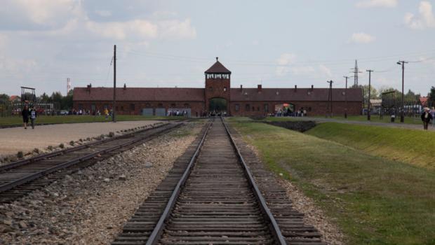 Förneka aldrig förintelsen, här är 10 bildbevis från Auschwitz.