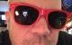 Vad är värst? Det fjuniga skägget, eller glasögonen?