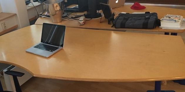 Det här bordet kan man hyra. I ett kreativt kontor med galna människor